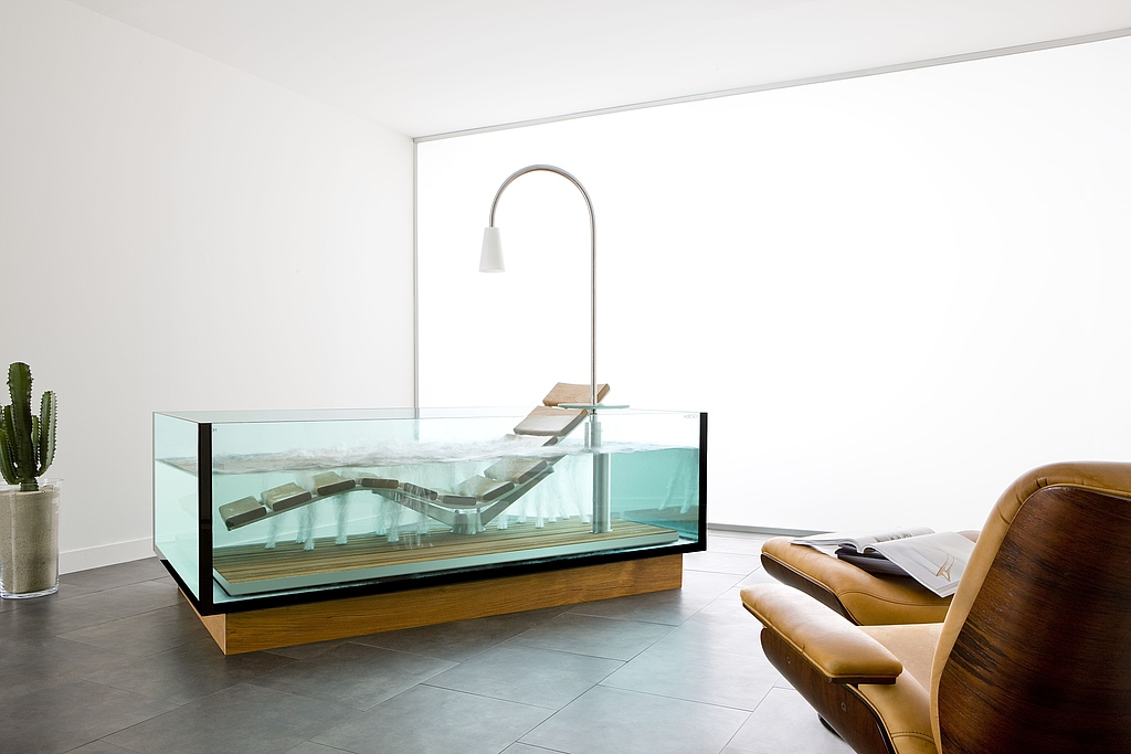 Hoesch Water Lounge - Luxurious Chaise Lounge And Bathtub Hybrid ...