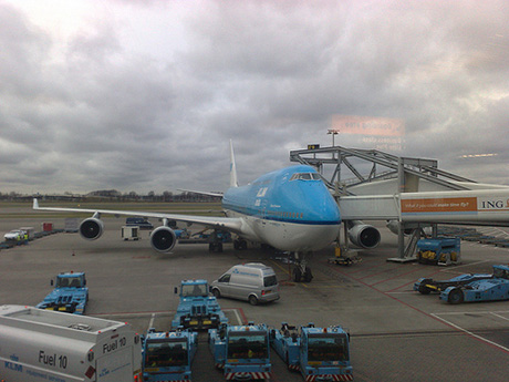 twitchhiker-before-boarding-for-new-york-city-at-schiphol