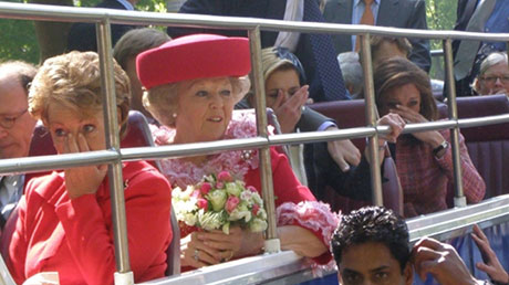 queen-on-queensday-2009-shortly-after-the-car-crashed-into-the-crowd