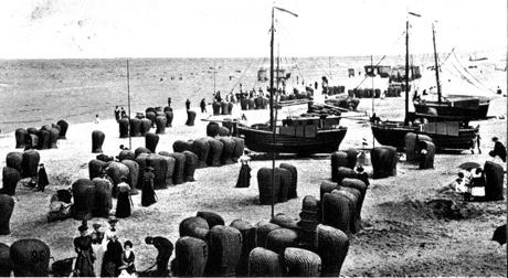 Postcard of Scheveningen Beach dating before 1900