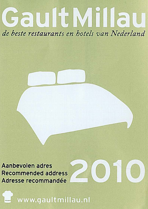 Gault Millau 2010 sticker for Haagsche Suites