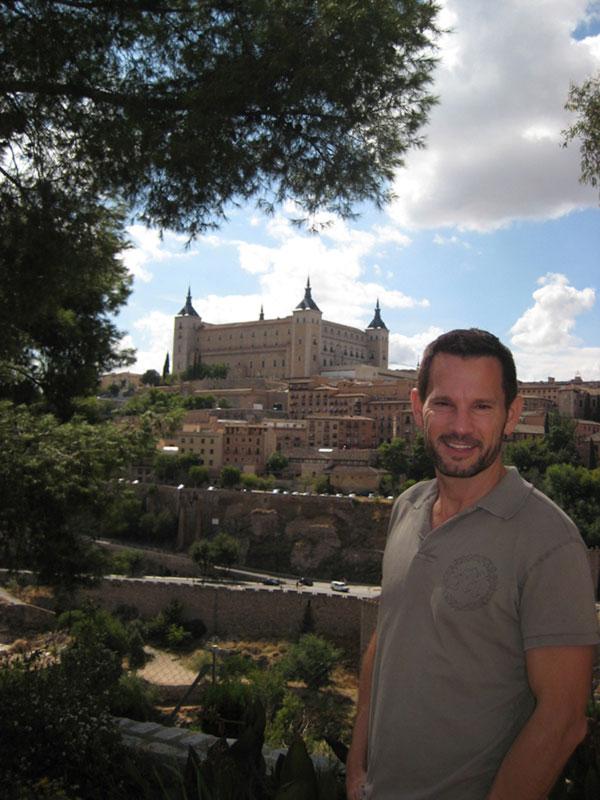 Daniel-Edward-Craig-in-Toledo-Spain
