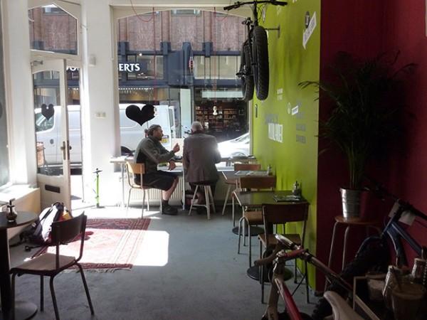 Lola-Bikes-and-Coffee-P1040338